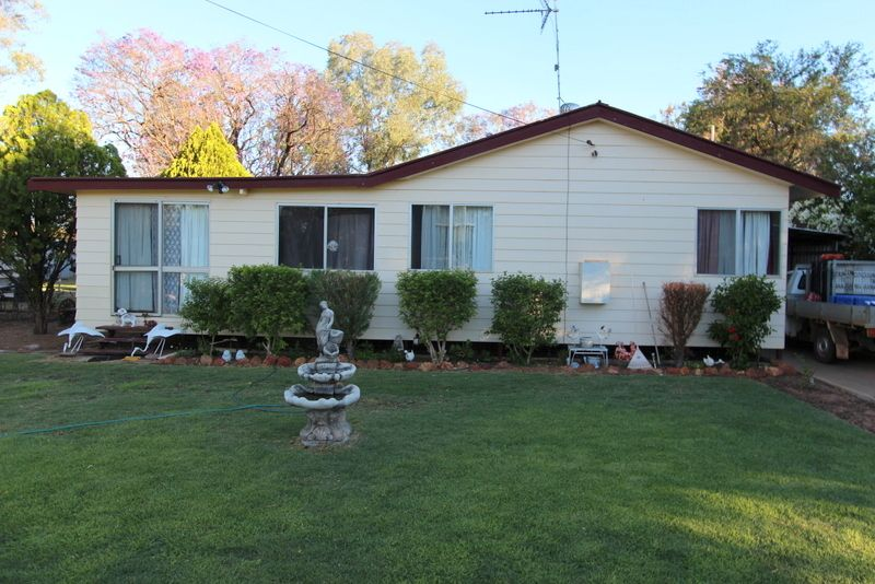 HUGE REDUCTION FROM $195,000 TO $170,000 - OWNER VERY KEEN TO SELL NOW! - Charleville