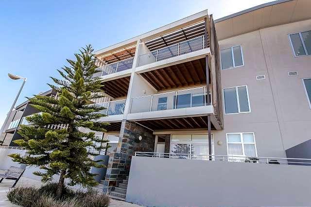 Waterfront Luxury Living - New Port