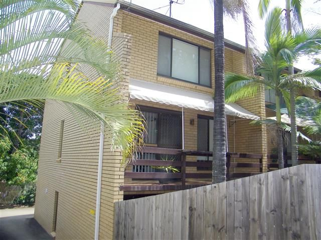 A townhouse for the townie! - West Gladstone