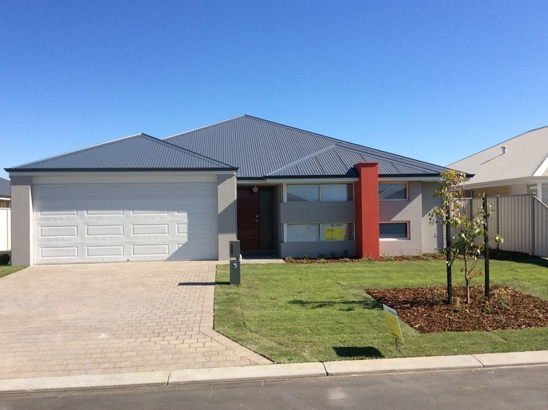 BRAND NEW 4 X 2 PLUS STUDY WITH REVERSE CYCLE AIR CONDITIONING - PETS CONSIDERED - Australind