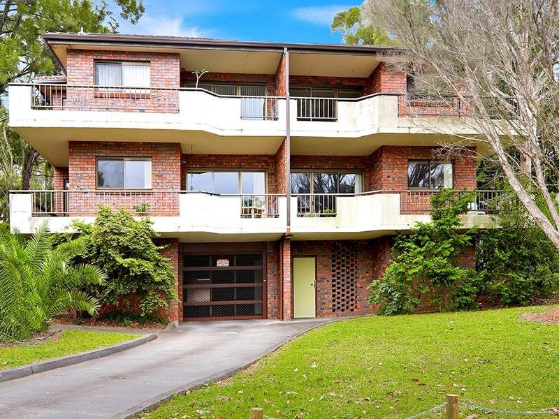 Spacious Renovated apartment walk to station - Homebush West