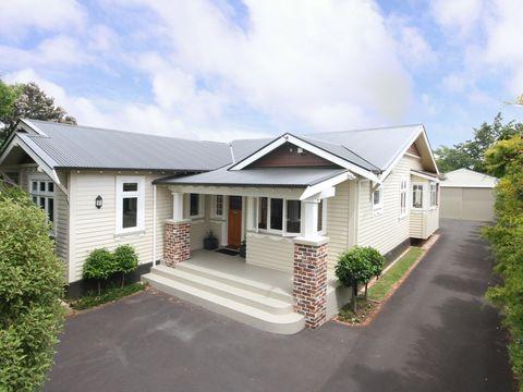 College Estate, 12 Godwin Crescent