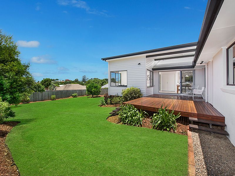 What Else Would You Expect In Tulip Lane? - Buderim
