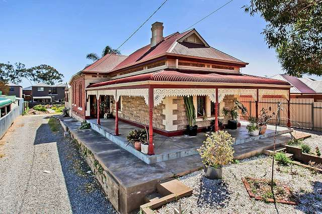 929sqm of Prime Land Plus Character Home - What a Find - Queenstown