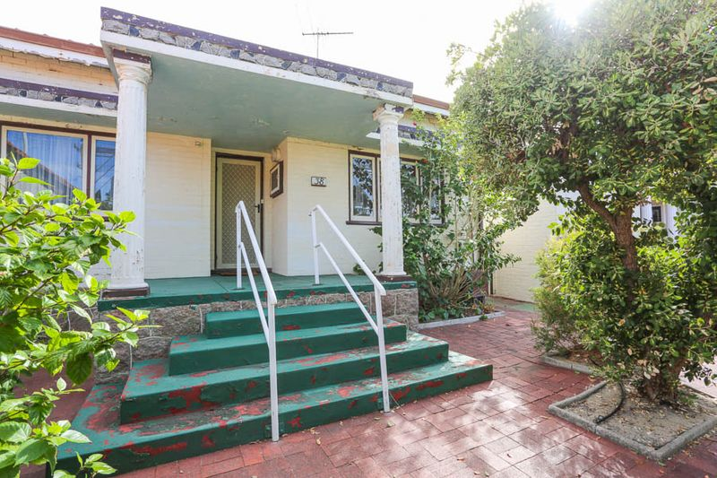 Must be sold! - Mount Hawthorn