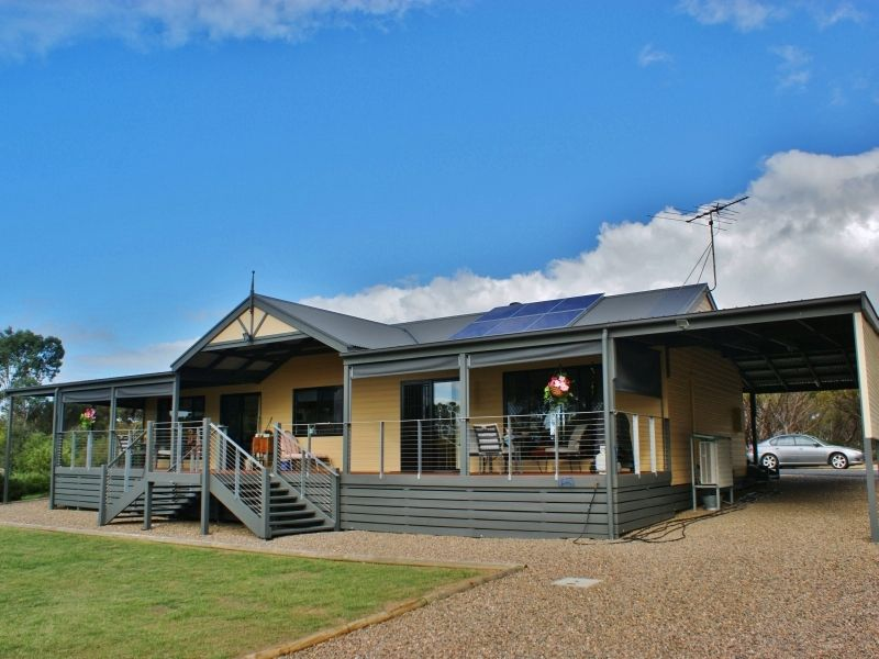 Delightful 5 Acre Property - Murray Bridge