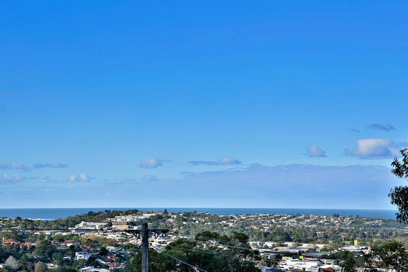 Contemporary Living with Panoramic Ocean Views! - Allambie Heights