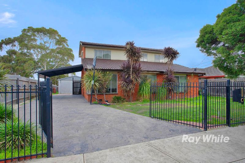 Large family home on a large 610sqm block! - Dandenong North