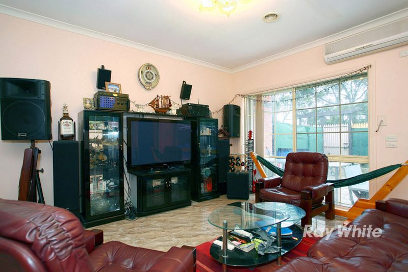 OWNER MOTIVATED TO SELL! - Noble Park