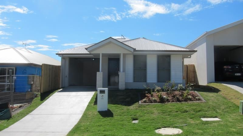 ** ONE WEEKS FREE RENT**  WHAT MAKES THIS HOME UNIQUE ITS ONE OF FEW THAT HAS SOLAR PANELS - Augustine Heights