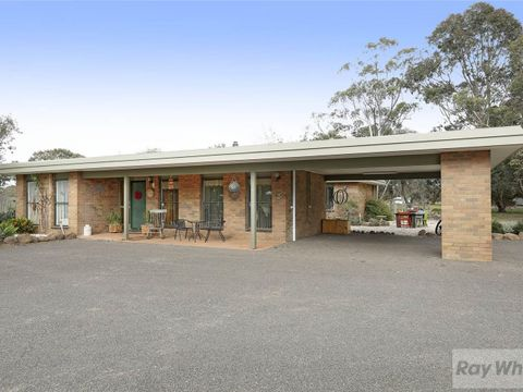 Lara, 260 Plains Road