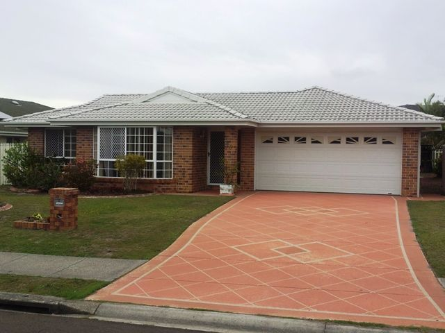FAMILY HOME IN THE HEART OF BANKSIA BEACH  *REDUCED* - Banksia Beach