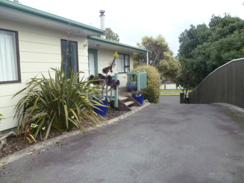 Large beautiful family home with something for everyone! Photos to come - Waikanae Beach