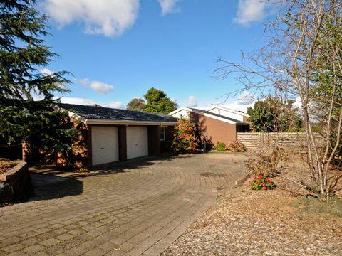 Mooroolbark, 36 Landscape Drive