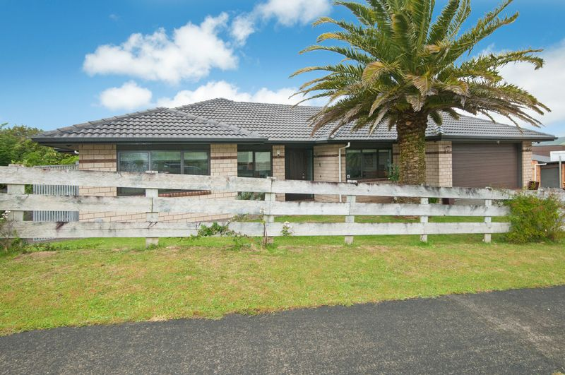 Spacious Home, Easy Living In Mind, 4 plus office - Mount Marua
