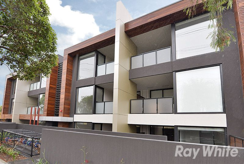 VIEW Sat 31st January (3:45-4:00PM) Thurs 5th February (3:45-4:00PM) - Rowville