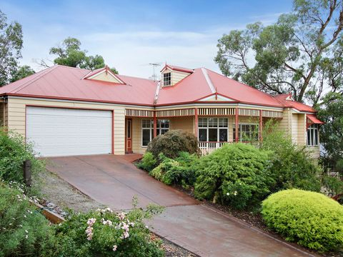 Lilydale, 6 Water Lilly Lane