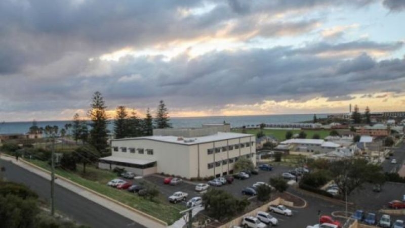 AMAZING PANORAMIC VIEWS OF THE OCEAN AND CITY CENTRE - FULLY FURNISHED - AIR CONDITIONING - Bunbury