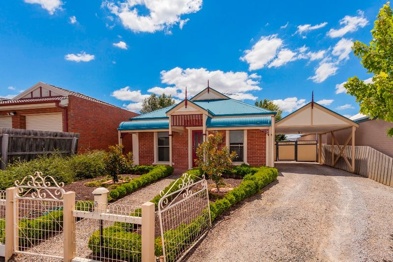 Immaculate Townhouse - Bell Post Hill