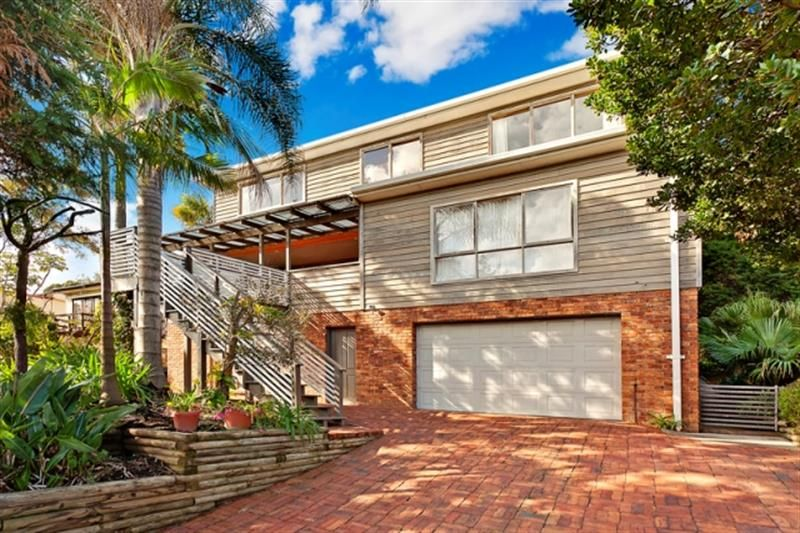 Oversized 5 Bedroom Family Home - Warriewood