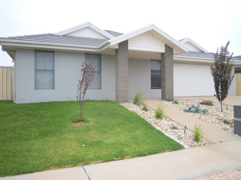 Modern 4 Bedroom Family Home - Mildura