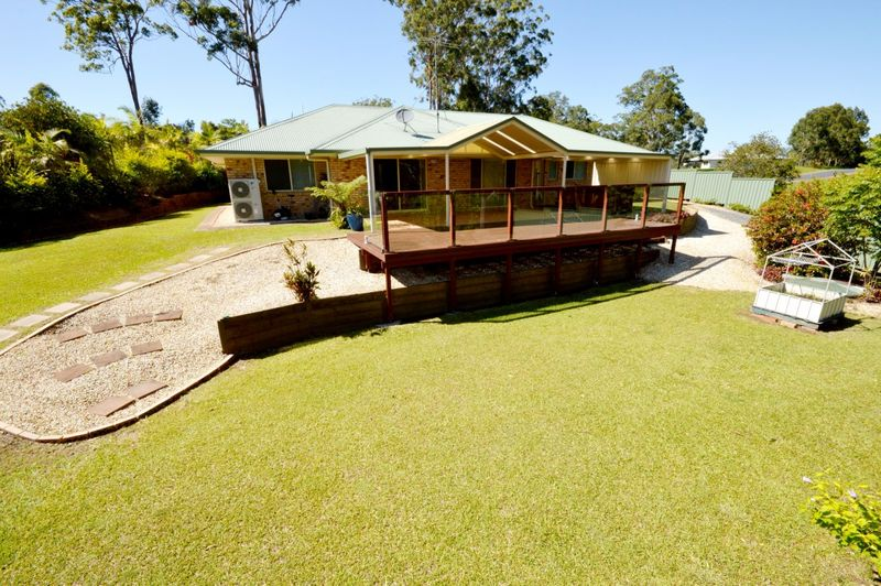 Immaculate Semi-Rural Family Home - Valla