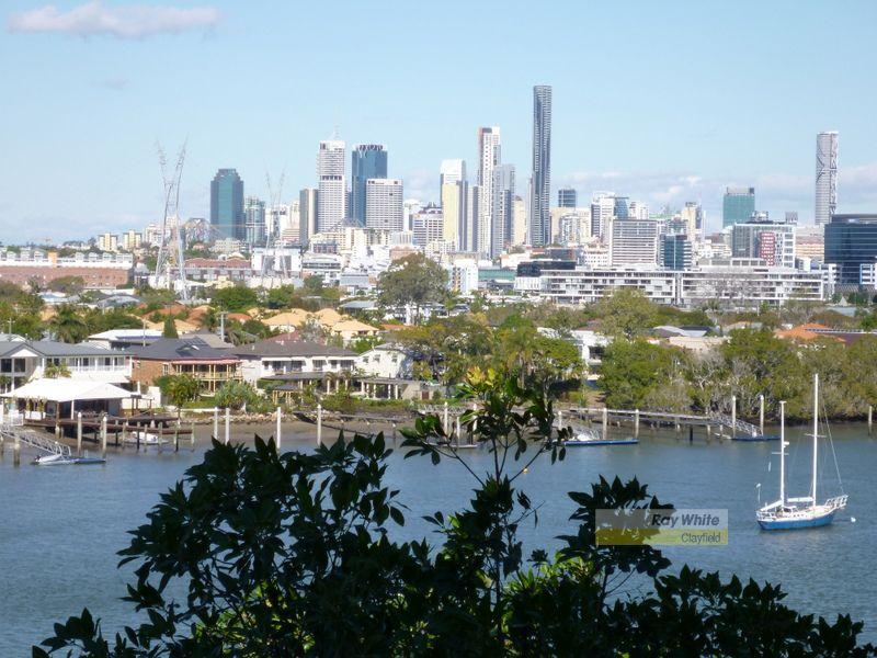River and City views - Hamilton
