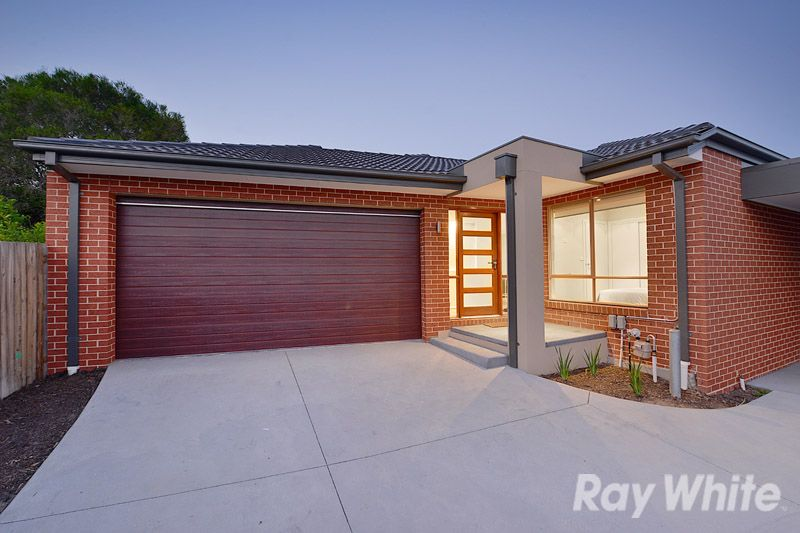A 1 Year Old, 3 Bedroom, 2 Bathroom Rear Unit - Rowville