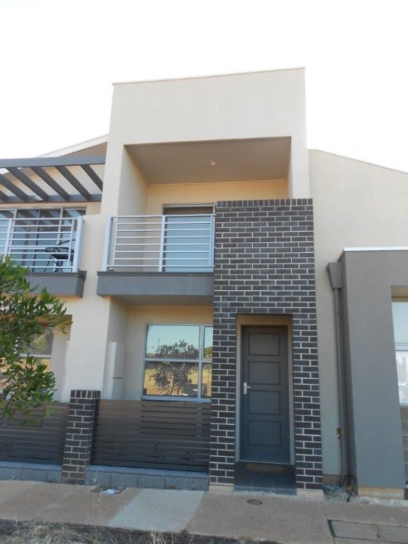 ***** GREAT LOCATION  ***** - Blakeview