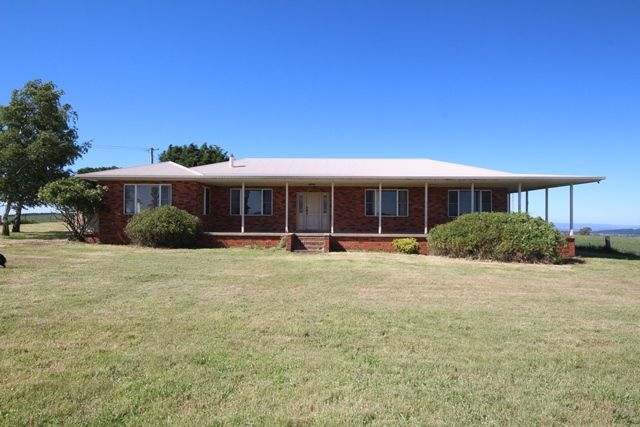 Ben-Ledi 440 rolling acres with views forever! - Burraga