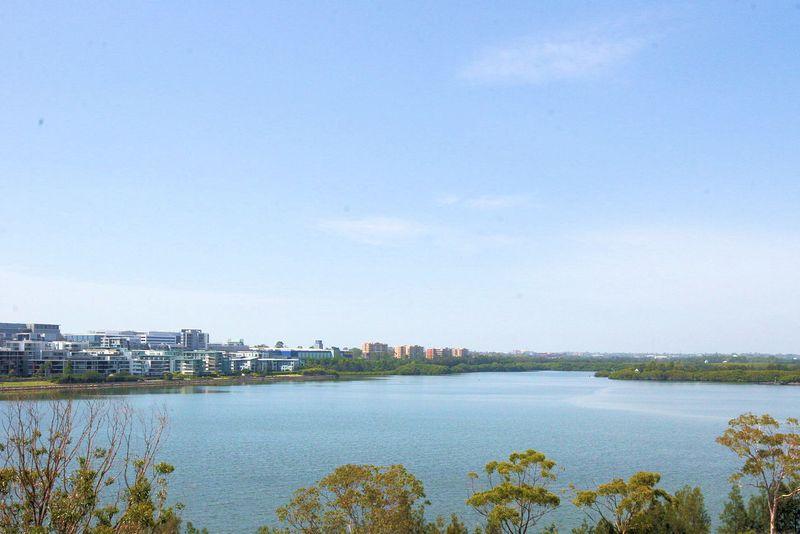 New Stunning Waterfront Luxury - Wentworth Point
