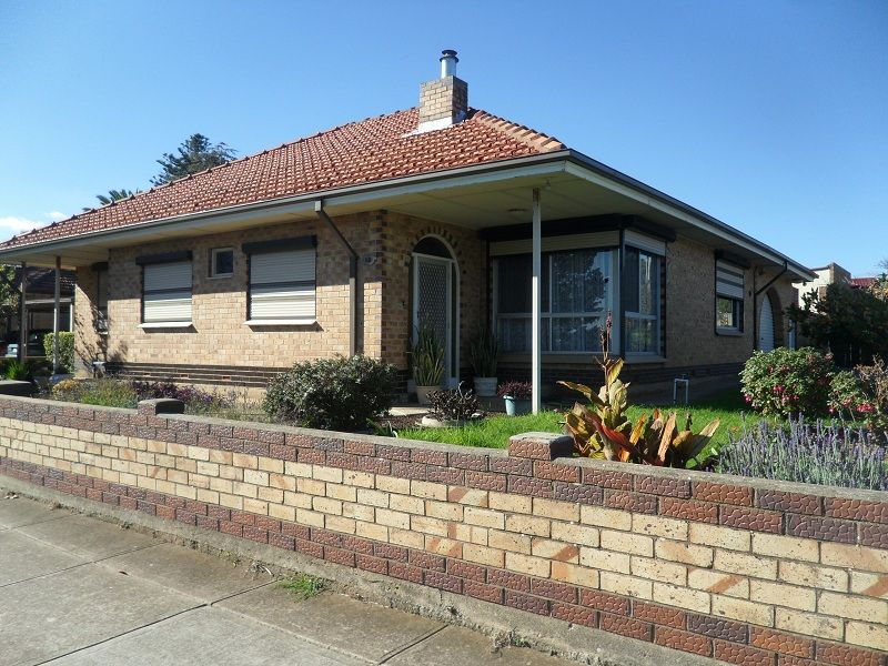 2 br family home & study - Clearview