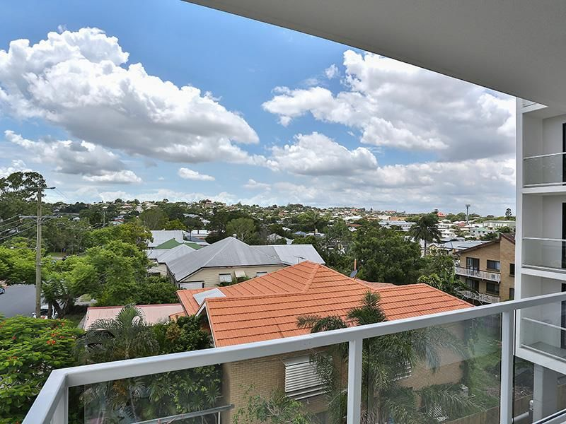 Stylish & Spacious Brand New Apartment - Wooloowin