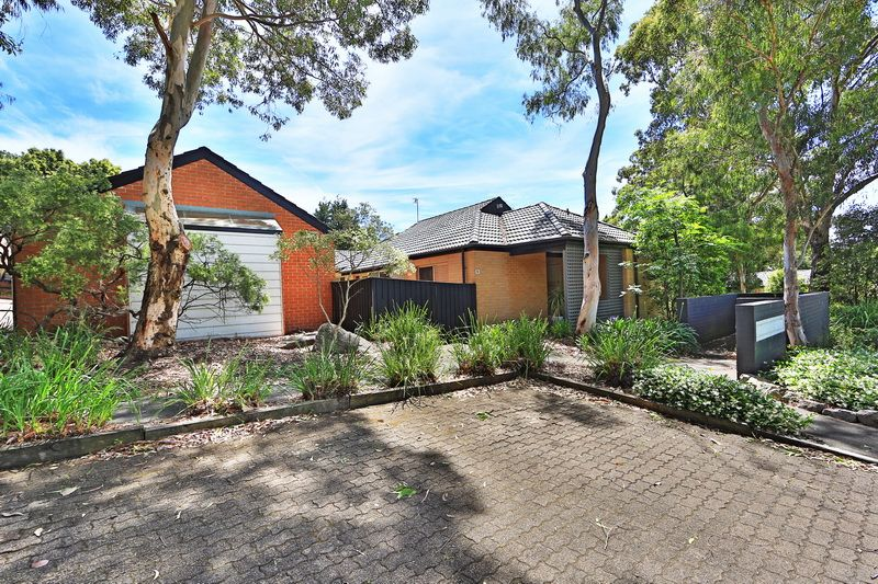 Easy Living - Bomaderry