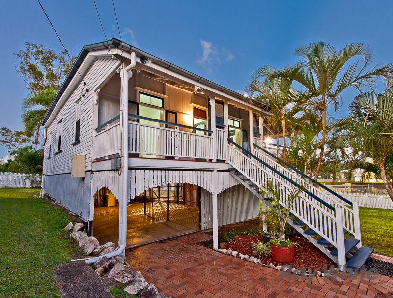 Queenslander Living Plus Huge Potential Here! - Newmarket