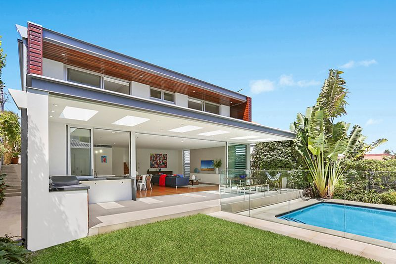 Indoor/Outdoor Living In an Architecturally Designed Oasis - North Bondi