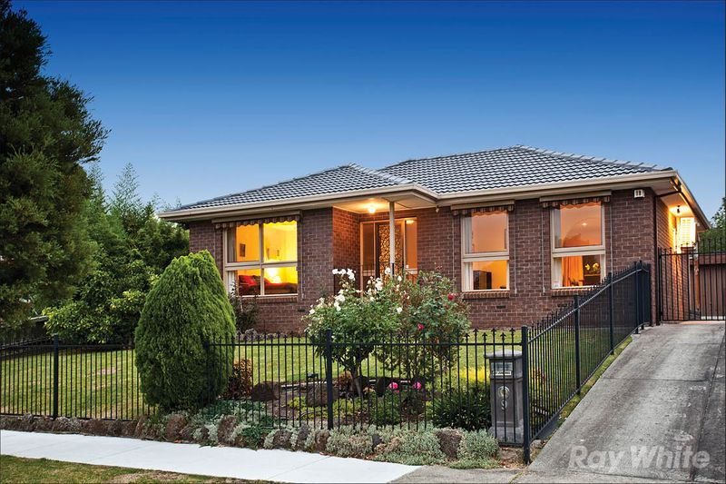 INSTANT SINGLE LEVEL FAMILY APPEAL - Mulgrave