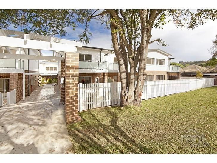 Spacious and modern two bedroom Apartment - Brookvale