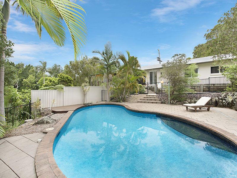 2.5 acres, superb modern home and only 1 kilometre from  the centre of Buderim = Bargain - Mons