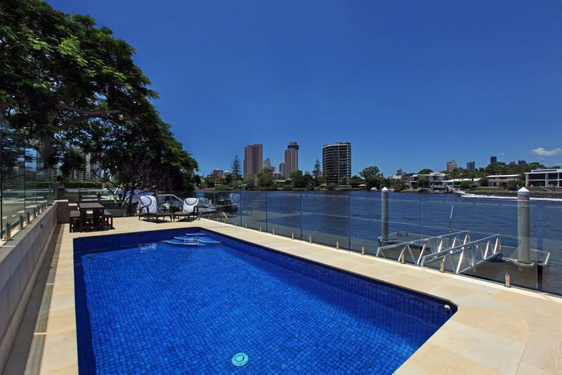Completely Remodelled Chic 5 bedroom Main River Residence - Owners Moving & Must Be Sold - Isle Of Capri