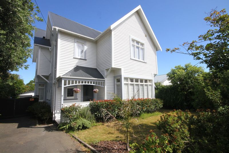 Large Four Bedroom Family Home In Gonville - Gonville