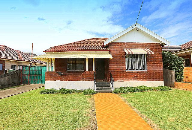 Great Size, Great Location - Punchbowl