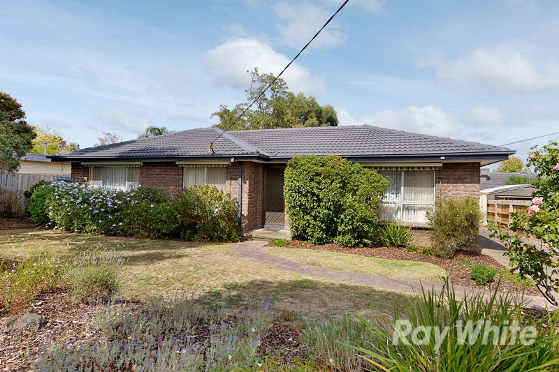 A Pristine 3 Bedroom Home With One Owner - Scoresby