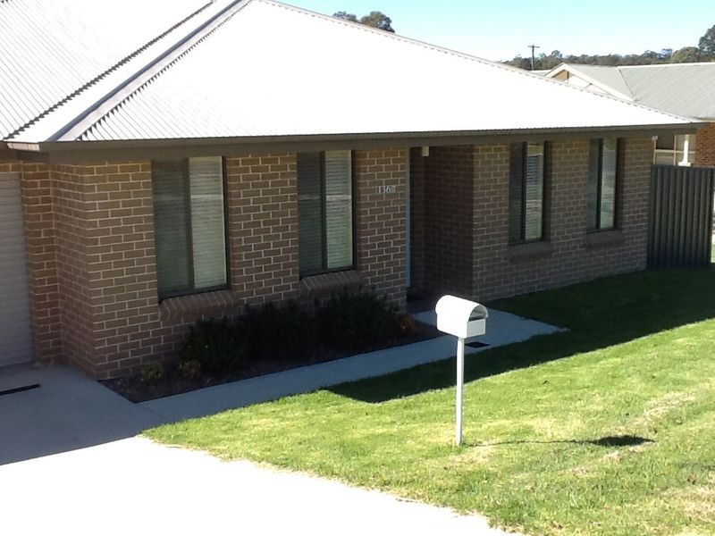Lovely family four bedroom home - Oberon