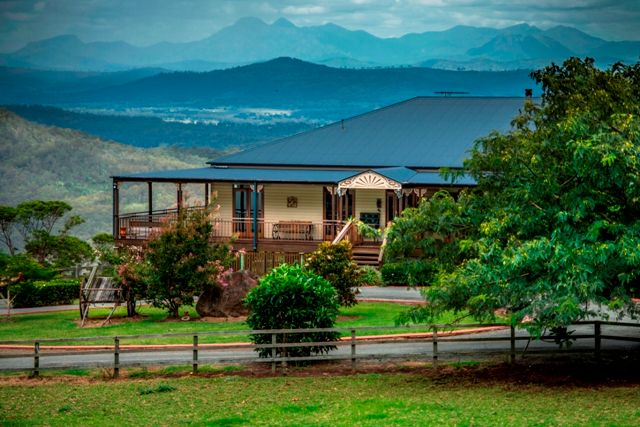 The Lookout 21 Acres of Sunsets - Tamborine Mountain