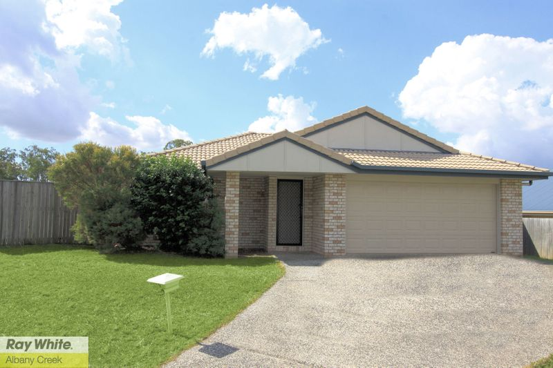 LOWSET FAMILY HOME - MODERN - CEILING FANS THROUGHOUT! - Warner