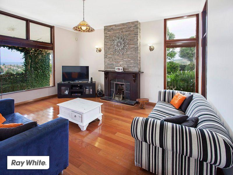 Spacious Residence With Panoramic Views! - Kiama