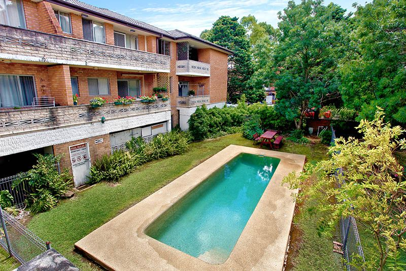 Fully Renovated 2 Bedroom Unit, Close To All Amenities - Merrylands West