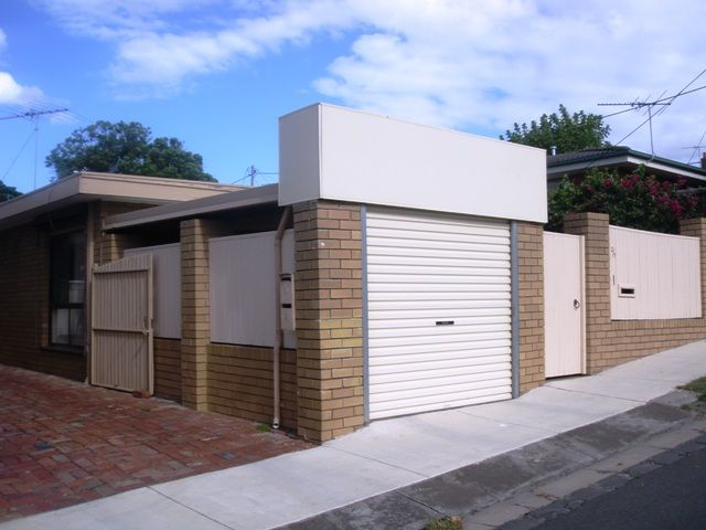 Modernised Unit in the Perfect Location - Newtown