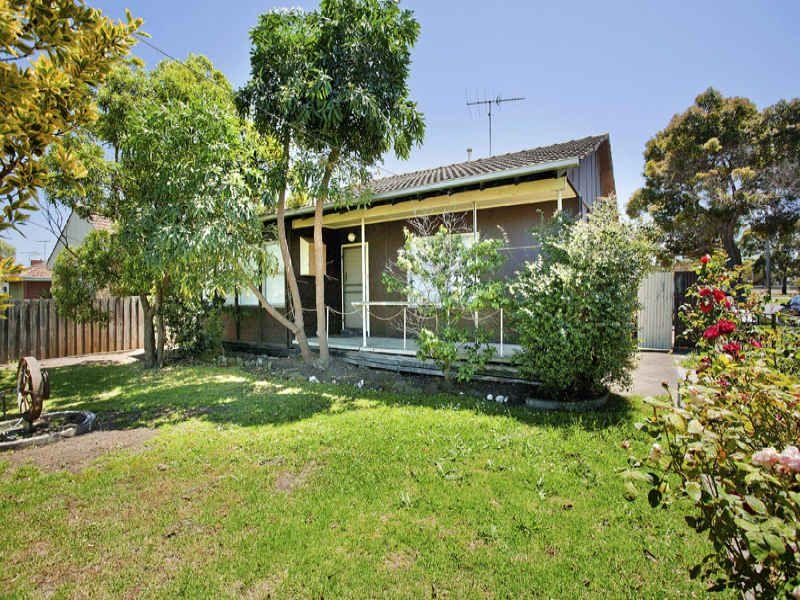 3 bedroom home with HUGE backyard! - Corio